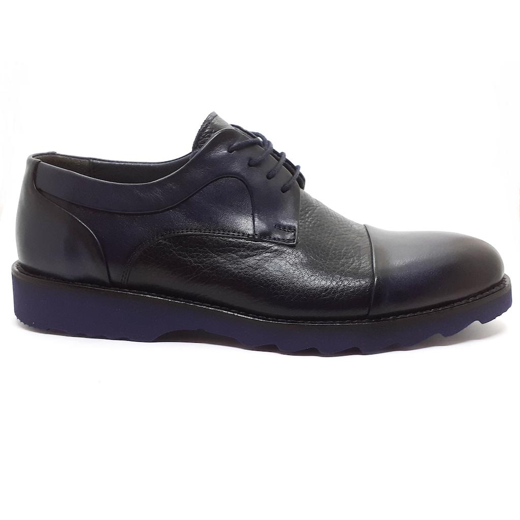 Şık ve Konforlu Tasarımları ile Erkek Günlük Ayakkabı Modelleri