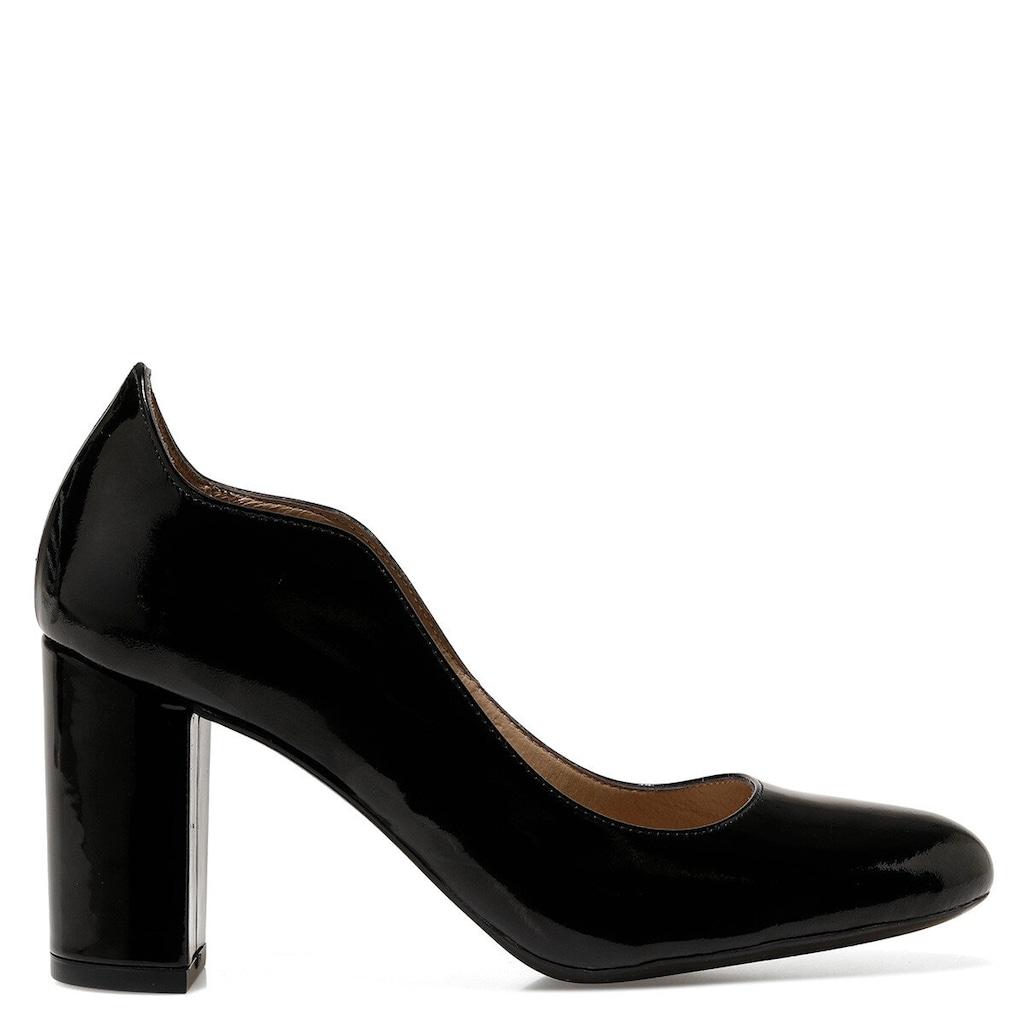 Klasik Topuklu Ayakkabı Modelleriyle Rahatlık Mümkün