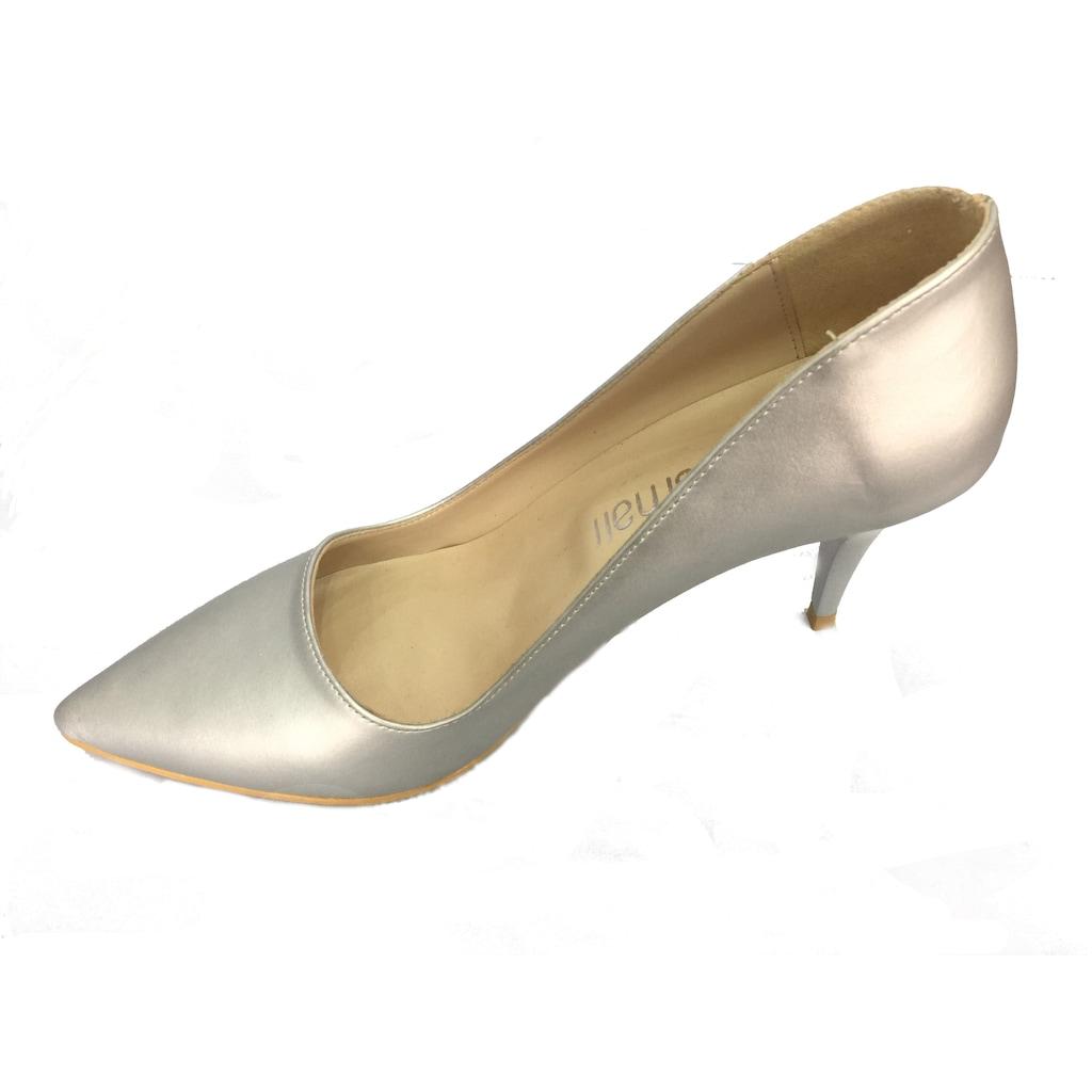 Stiletto Ayakkabı ile Şık Kombinler