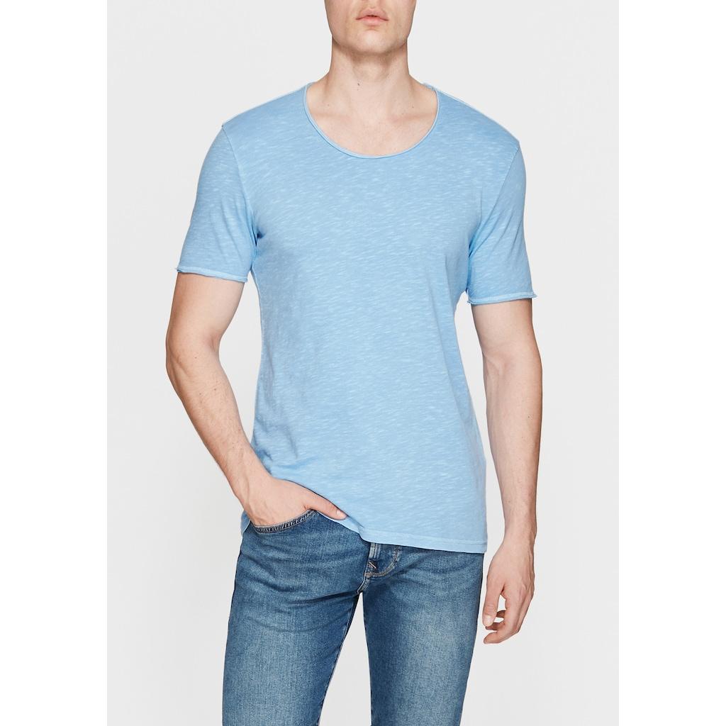 Mavi Tişört ile Her Zaman Şık Olmanın Keyfini Yaşayın