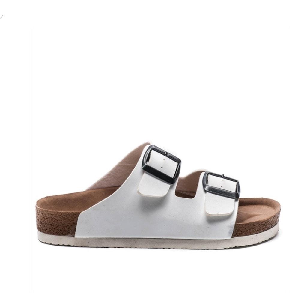 Farklı Tasarımlarıyla Kadın Terlik ve Sandalet Modelleri