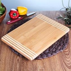Fame Kitchen Büyük Boy Asmalı Bambu Kesme Tahtası 35X25 cm