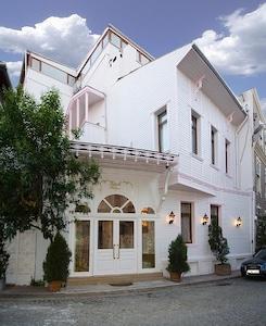 Sultanahmet Küpeli Palace Hotel'de Ayrıcalıklı Konaklama Fırsatı