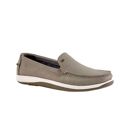 Kullanım Tipine Göre Farklılık Gösteren Erkek Günlük Ayakkabı Modelleri