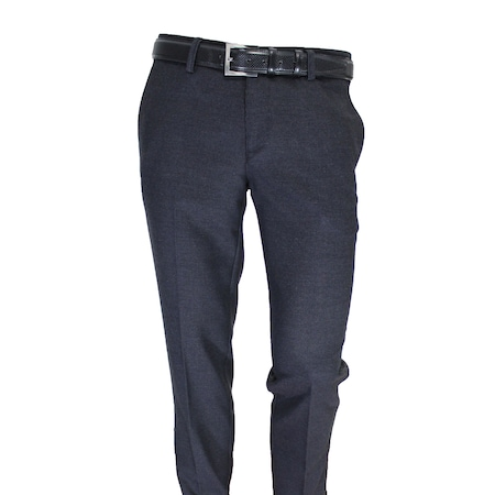 Erkek Klasik Pantolon ile Özel Davetler