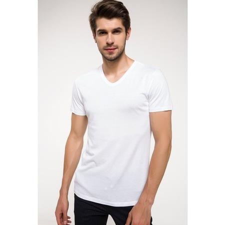 DeFacto Tişört Modelleri ile Şık ve Rahat