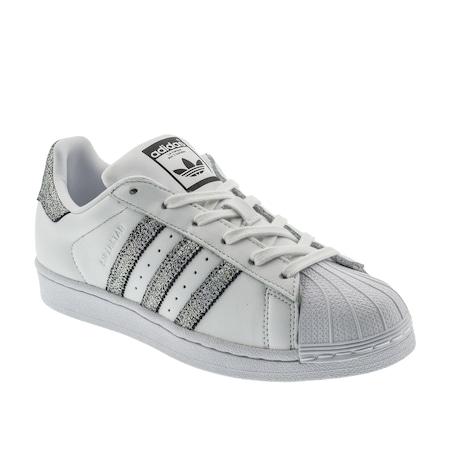 low priced bb9f8 6f771 adidas Superstar Kadın Beyaz Spor Ayakkabı (CG5455)
