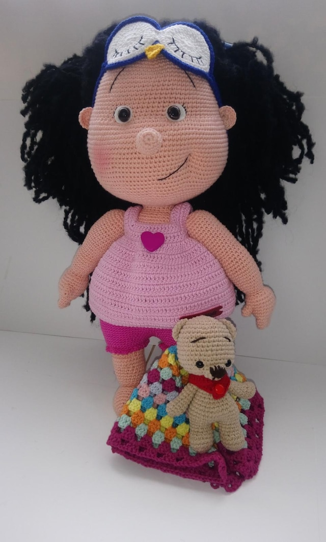 Lilly amigurumi | Free gift from Simply crochet magazine iss ... | 1066x640