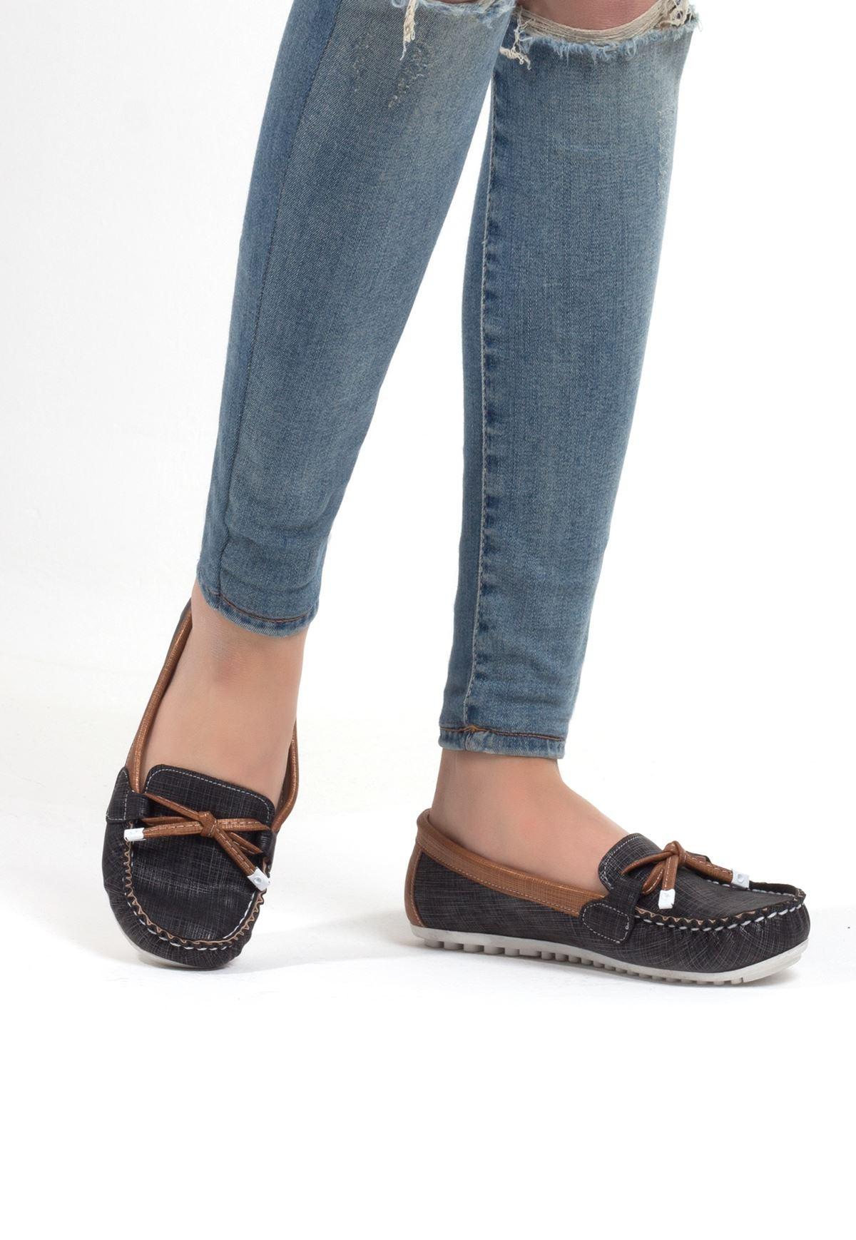 Cam Siyah Taba Cilt Fiyonklu Bayan Babet Ayakkabı