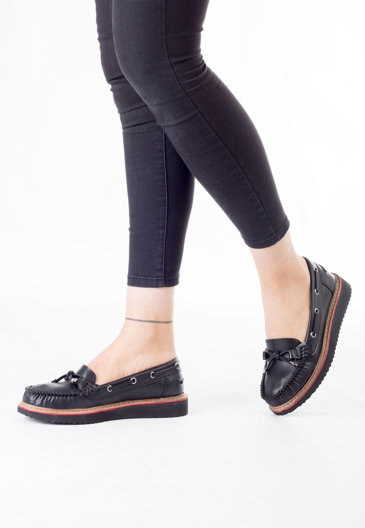 Sar Siyah Cilt Bayan Fiyonklu Babet Ayakkabı