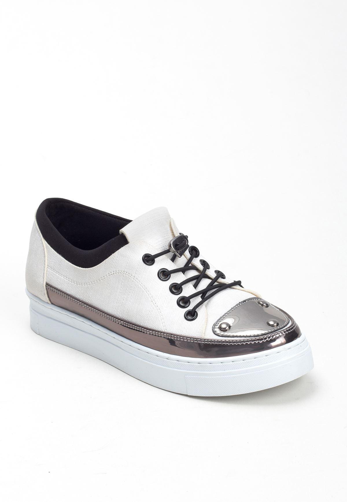 Dos Beyaz Cilt Desenli Gümüş Detaylı Bayan Spor Ayakkabı