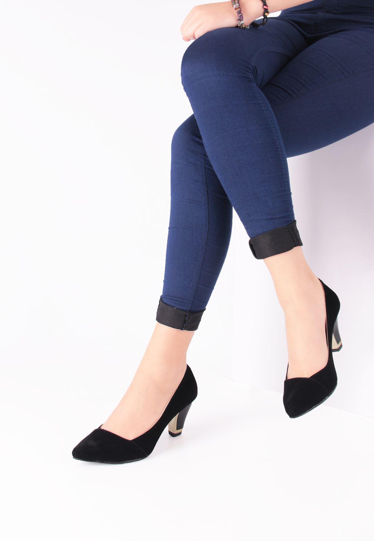 Erb Siyah Süet Yan Kesim Bayan Kısa Topuk Ayakkabı